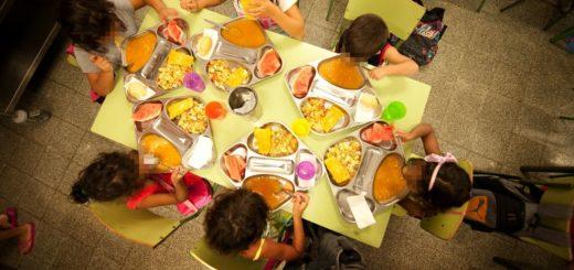 ímagen de un comedor escolar de verano